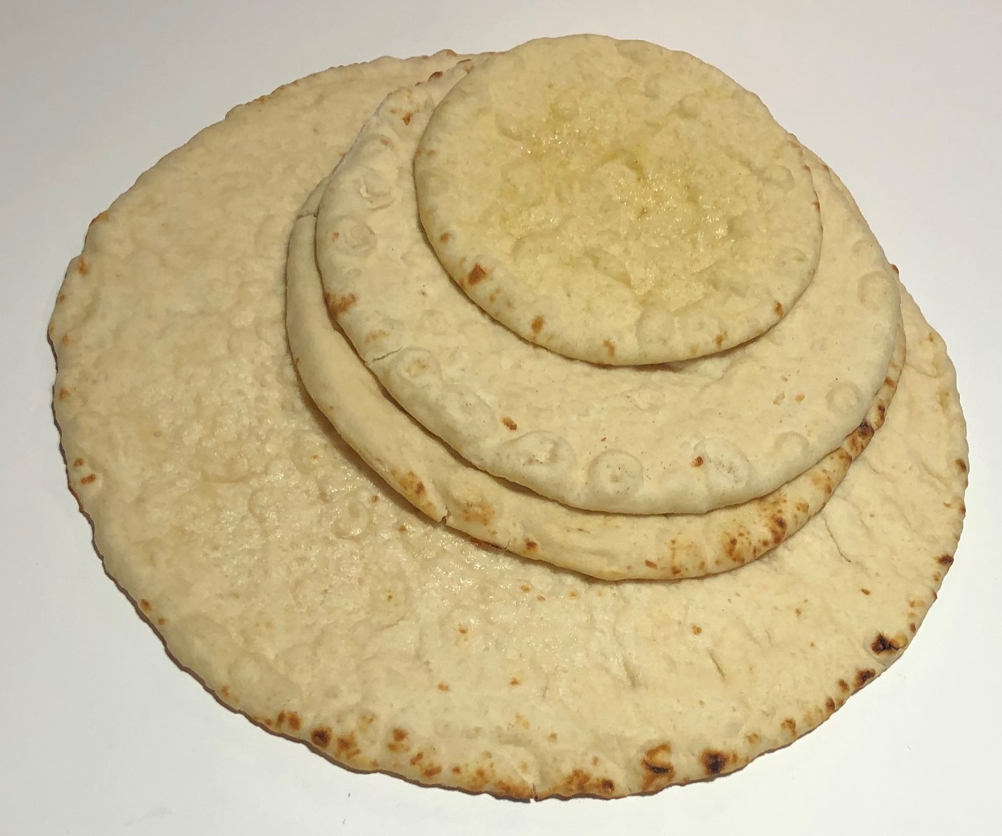 Bare crust on plate